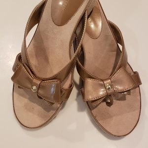 Women's Bronze Patent Leather Wedge Sandal, Sz 9